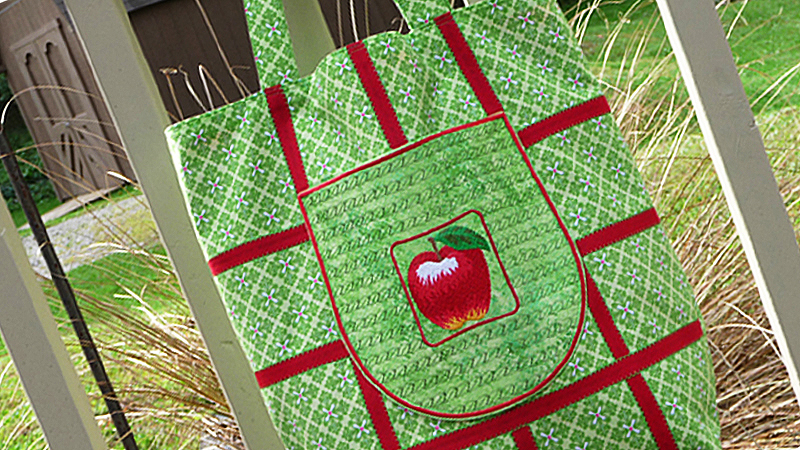 Market Tote with Lattice Trim – Foot of the Month