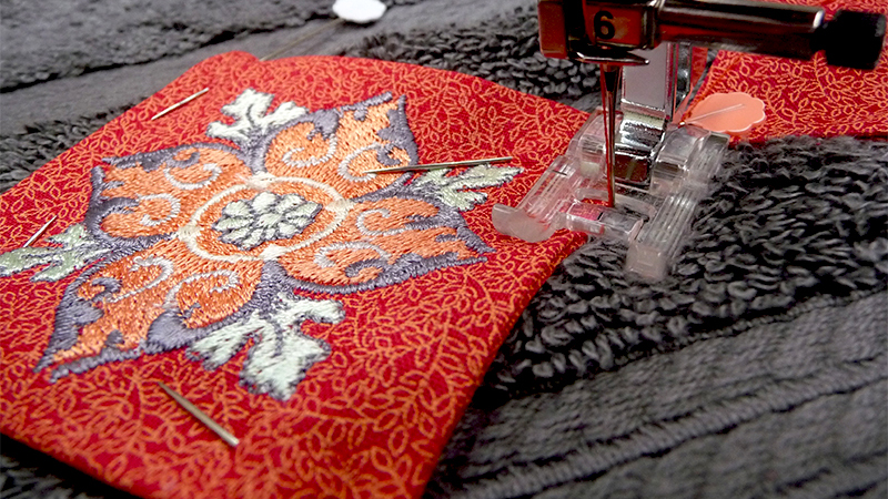 Free Design: Embroidered Appliqués on Towels