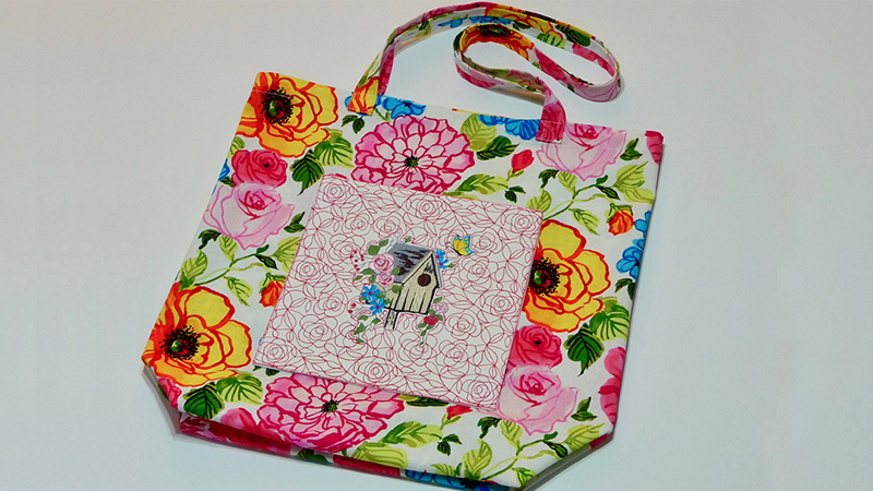 Free Design: Floral Tote with Embroidered Pocket